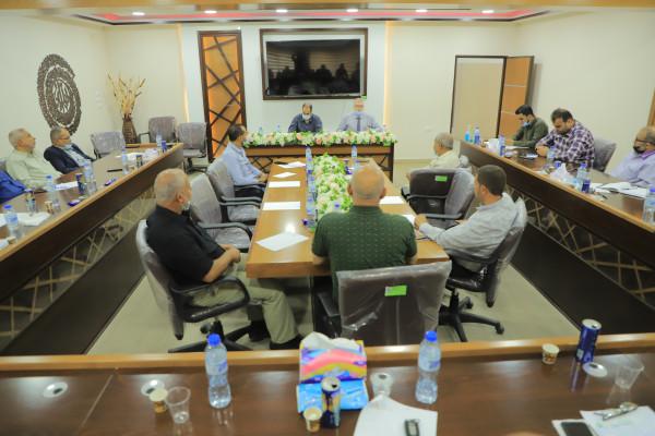 بلدية رفح تنظم اجتماعًا لمدراء الدوائر ورؤساء لجان الأحياء