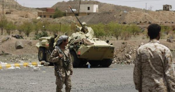 مقتل وإصابة العشرات في معارك عنيفة بين الحوثيين والجيش اليمني في مأرب