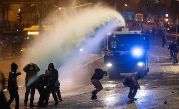 إصابات واعتقال شقيقين بمواجهات مع الاحتلال شمال القدس