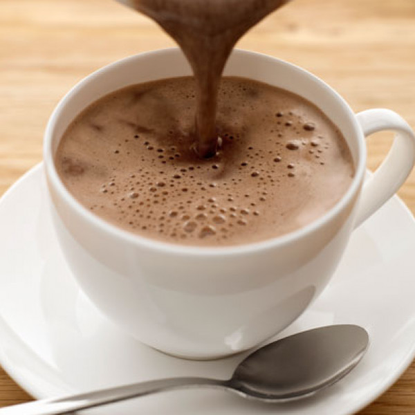 طريقة تحضير حليب شوكولاتة ساخن