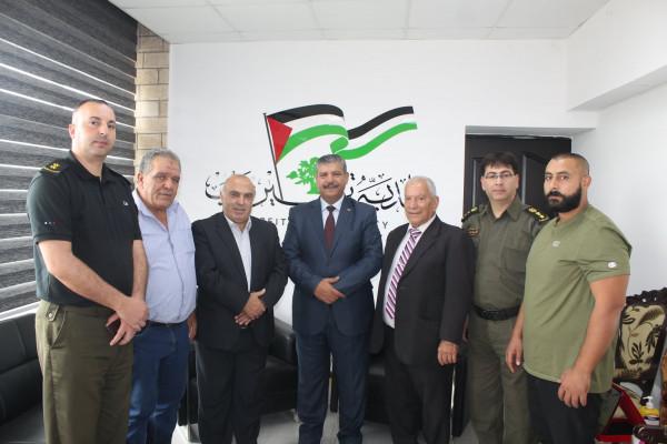 مدير التوجيه السياسي لمحافظة رام الله والبيرة يلتقي رئيس بلدية بيرزيت ويشيد بدورها المميز