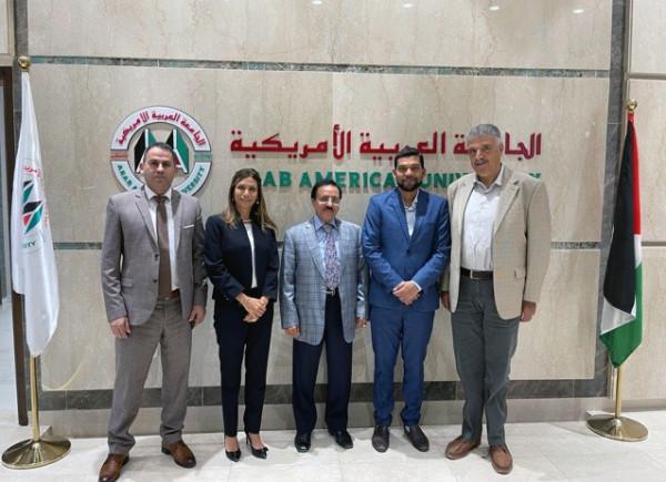 الجامعة العربية الأمريكية تستقبل السفير الهندي ورئيس جمعية حماية المستهلك