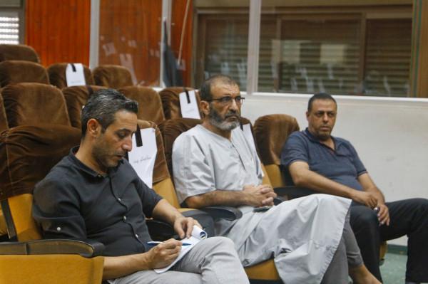 رئيس بلدية قلقيلية يلتقي سكان منطقة تنفيذ مشروع تأهيل وتعبيد طرق بمنطقة كفر سابا