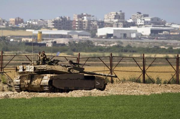 آليات الاحتلال تتوغل بشكل محدود شرق خانيونس 9999136672