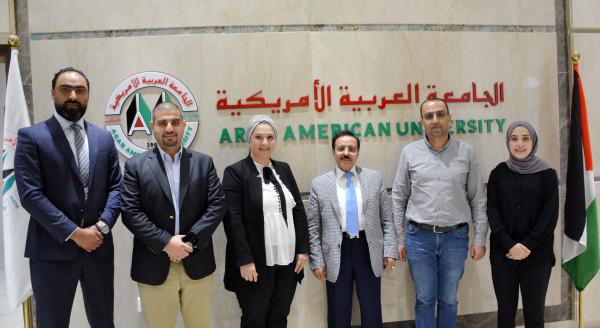 """""""العربية الأمريكية"""" تبحث تعزيز التعاون مع نقابة المحامين"""