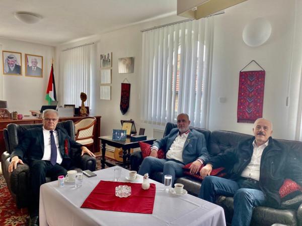 وفد من تجمع الشتات الفلسطيني أوروبا يلتقي سفير دولة فلسطين بجمهورية التشيك