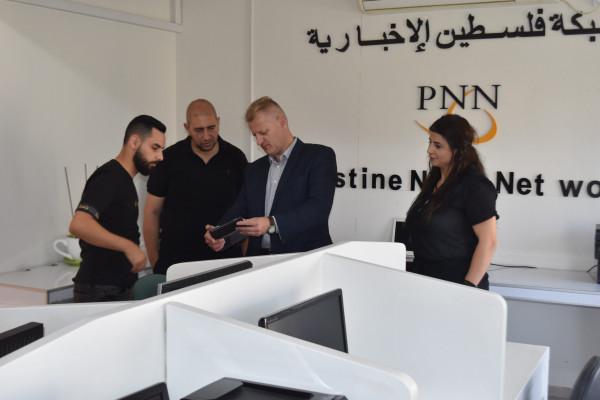 السفير البولندي بفلسطين يحذر من الانجرار وراء وعود الهجرة لأوروبا