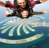 الهبوط بالمظلات في دبي.. خلّيك بالجو!