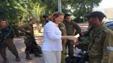 """ليفني لجنود """"غولاني"""": استعدوا لاحتمال اجتياح بري لغزة"""