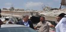 محافظ خانيونس د.أحمد الشيبي يصطحب وفد قيادي لتفقد آثار العدوان على خانيونس