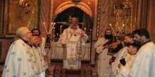 المطران عطاالله حنا في قداس في كنيسة القيامة:نصلي من اجل مسيحي العراق و غزة الجريحة
