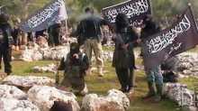 فيديو طريف.. حرب الرايات بين داعش والنصرة