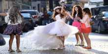 جنات في فستان الزفاف... هل تزوجت؟
