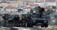 قوات الاحتلال تقتحم طولكرم وتفتيش المحال التجارية والتدقيق بهويات المواطنين