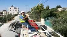كهرباء القدس تركب محولين جديدين في ضاحية البريد والبيرة