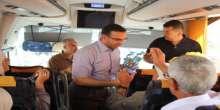لجنة زكاة نابلس المركزية توزع 400 حقيبة على حجاج بيت الله الحرام