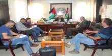 بلدية يطا تطلق الحملة الوطنية لمساعدة المزارعين بقطف ثمار الزيتون
