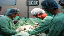 تأجيل 180 عملية جراحية بغزة بسبب إضراب عمال النظافة