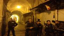 الاحتلال يفرض حصارا مشددا على الأقصى ومستوطنون يقتحمون باحاته