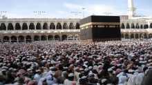 السعودية تحذر: لا سياسة في الحج ولا تهاون مع مهدديه