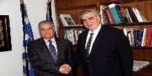 الوفد الرسمي الفلسطيني يلتقي المسؤولين اليونانيين ويتباحث معهم حول ملابسات غرق السفينة