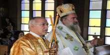 المطران عطاالله حنا يترأس قداسا احتفاليا كبيرا في كنيسة واشنطن الارثوذكسية