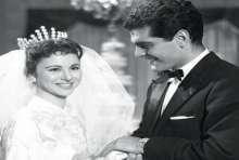 بالصور: قصص حب مثيرة بين المشاهير انتهت بالزواج