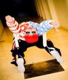 شارل مكريس أول فنان عربي يُشارك في حملة عالمية لتعليم الرقص