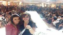 سيلفي نجوى كرم مع جمهورها يختتم عالم من الأزياء