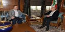 """النائب فضل الله يقدم لبري كتابه """"حزب الله والدولة في لبنان"""""""