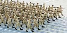 2500 عسكري قطري يصفّون صفّا الكتف بالكتف وعلى قلب رجل واحد ليؤدوا صلاة الاستسقاء