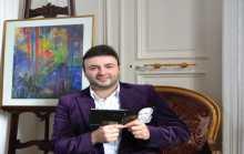 الفنان غبريال عبد النور يهدي السيدة فيروز أغنية بصوته