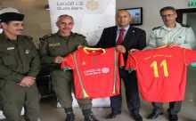بنك القدس يقدم زياً رياضياً لفريق الأمن الوطني في أريحا