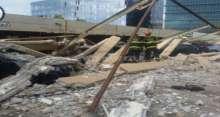 شاهد: حائط تسقط على 8 سيارات في هرتسيليا