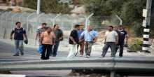 القناة السابعة:إسرائيل ستسمح بدخول 8 آلاف عامل من الضفة وغزة