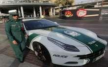شرطة دبي والسيارات الفارهة
