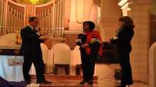 ايطاليا تقلد رئيسة بلدية بيت لحم بنجمتها في عرض موسيقي في كنيسة القديسة كاترينا