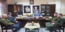 محافظ طولكرم عصام أبو بكر يستقبل محمد حمارشه رئيس النيابة العسكرية في طولكرم
