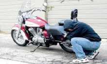 """أمن """"تيزنيت"""" يلقي القبض على سارق الدراجات النارية """"الصينية"""""""