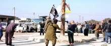 """بالصور: داعش يطبق """"حد الزنا"""" على ستة أشخاص"""