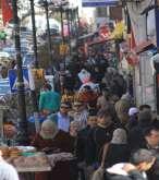 شاهد بالصور .. حركة المواطنين بمدينة رام الله