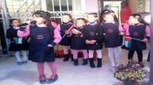 زهرات البيلسان يشاركن الإذاعة المدرسية في بنات حبلة الثانوية في قلقيلية