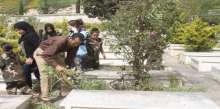 بمناسبة يوم الارض حملة تنظيف مقابر مخيم عين الحلوة بمبادرة من مؤسسة الاشبال والفتوة