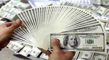 الدولار يرتفع أمام سلة العملات