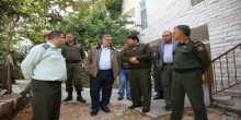 محافظ طولكرم عصام أبو بكر يزور الخدمات الطبية العسكرية