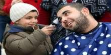 مجموعات شبابية في تركيا تقوم بحلق رؤوسهم تضامن مع الأطفال مرضى السرطان