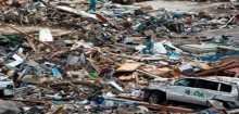 """يوم القيامة في نيبال.. المباني تنهار.. وانفجارات تثير الذعر.. و150 قتيلا """"دفعة أولى"""" للزلزال المدمر"""