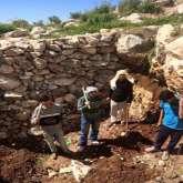 مؤسسة ملتقى الرئيس الشاب تنفذ يوم عمل تطوعي في قرى غرب سلفيت