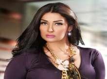 """غادة عبدالرازق تستعرض رشاقتها بعد خسارة وزنها بـ""""لوك"""" عشريني.. صور"""