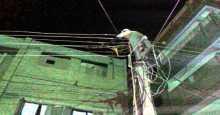 استبدال 8 أسلاك متهالكة من شبكة الضغط المنخفض بجديدة في منطقة باجعمان بالمكلا